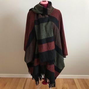 Women's Cap poncho 70% wool